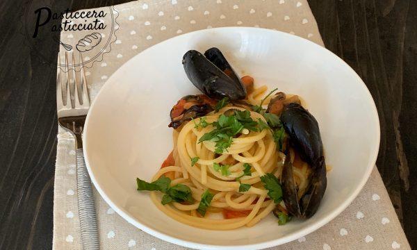 Spaghetti con le cozze semplici e veloci