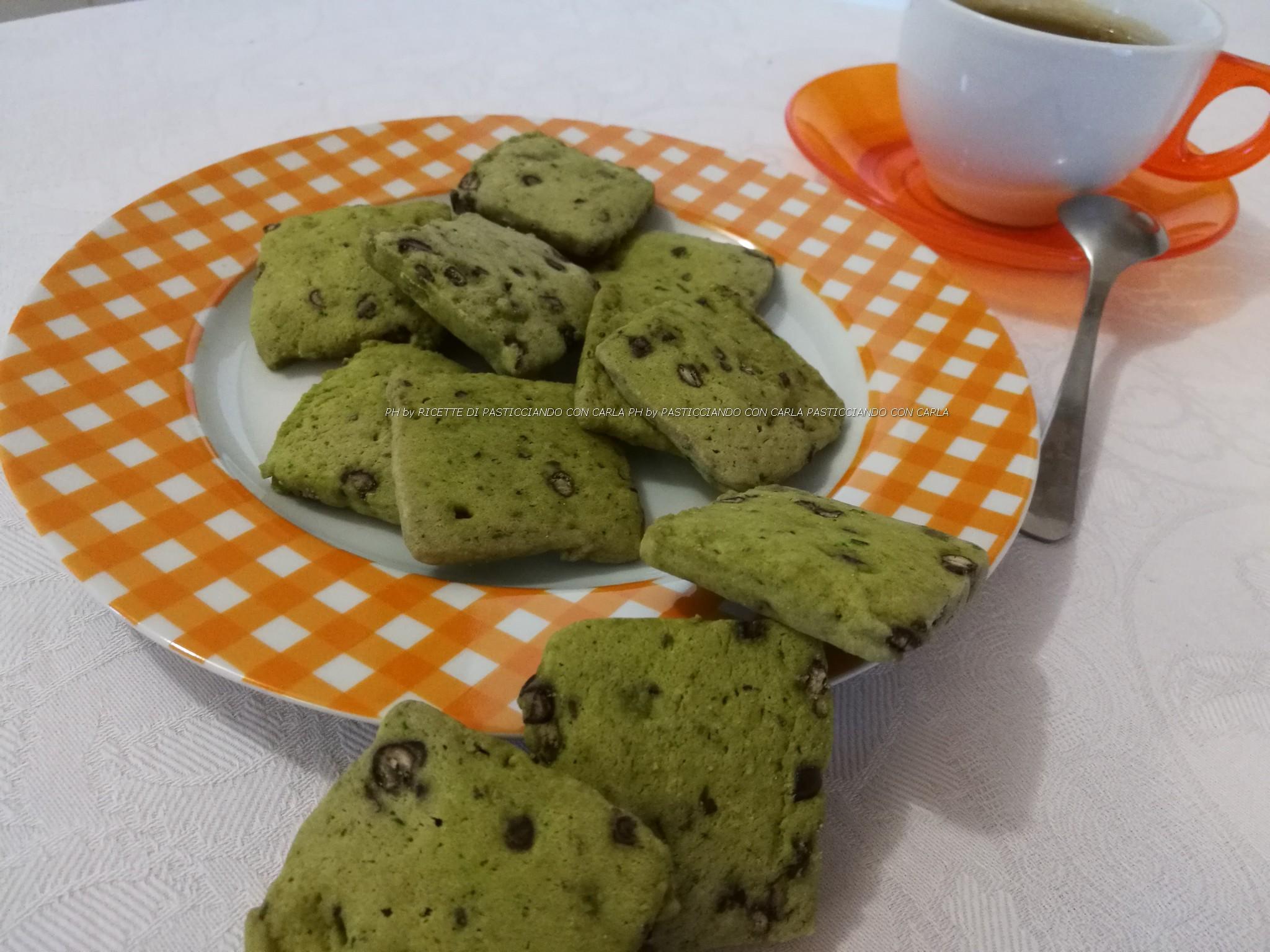 Biscotti al tè verde e cioccolato fondente