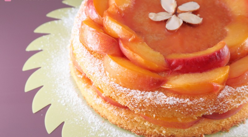 Torta Veloce con Pesche Caramellate