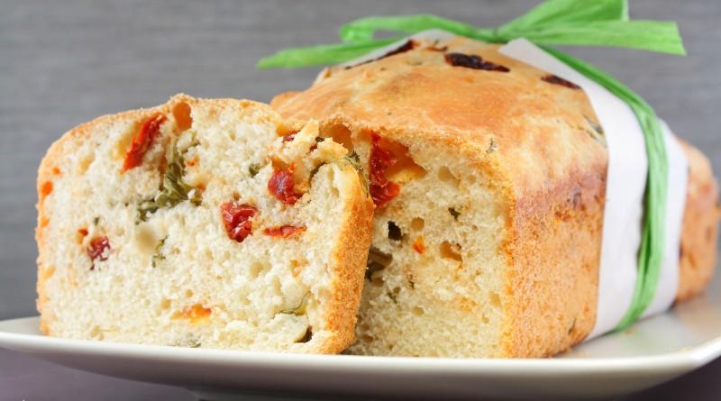Pane allo Stracchino e Pomodori Secchi