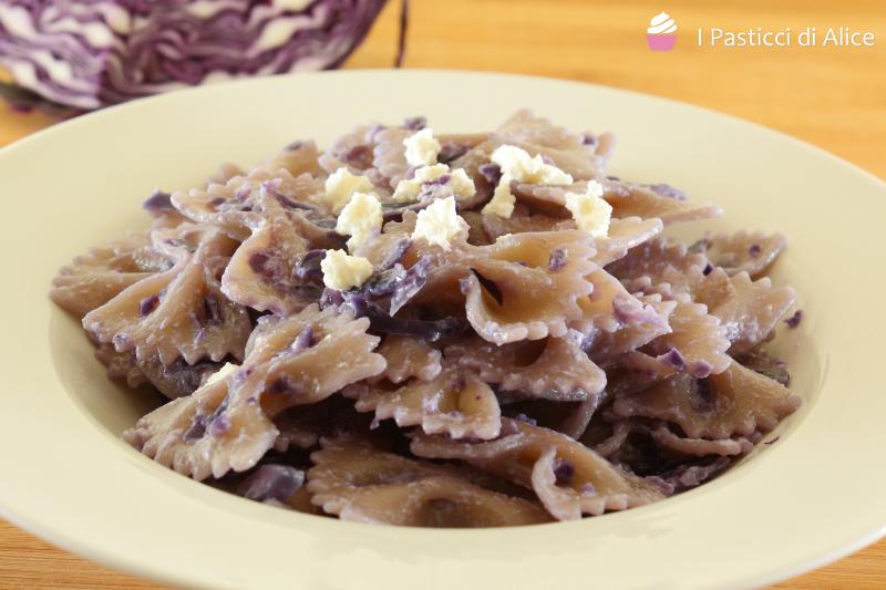 Pasta Cremosa al Cavolo Viola
