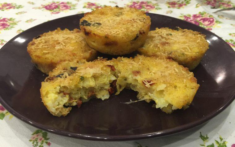 Tortini di riso con melanzane e pomodori secchi