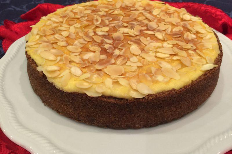 Cheesecake alle mandorle con cottura