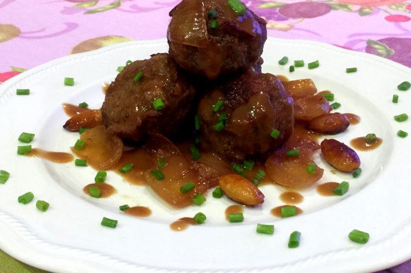 Polpette di carne e spinaci, con mandorle e salsa di soia