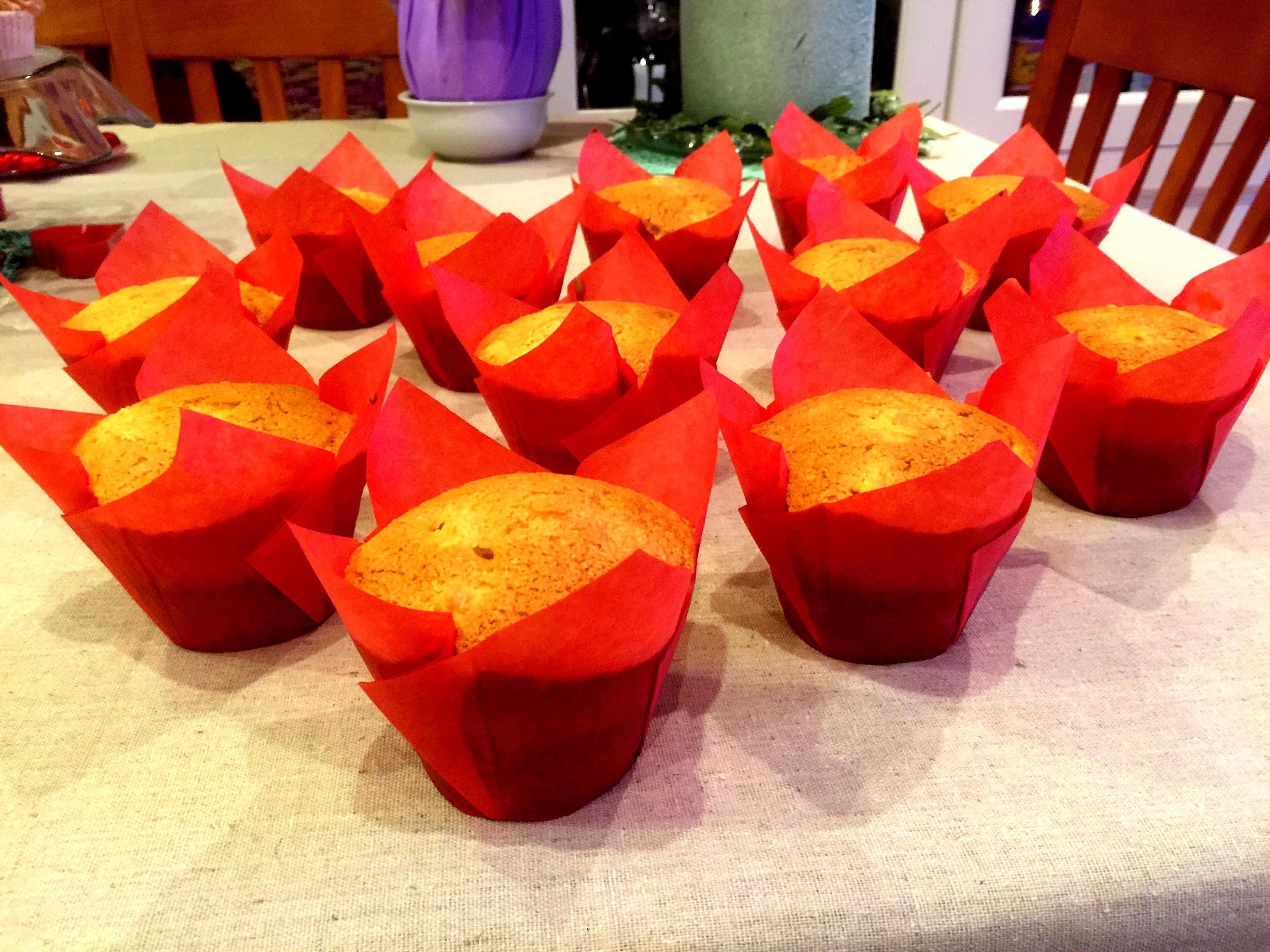 Muffin con mele, zenzero e cannella