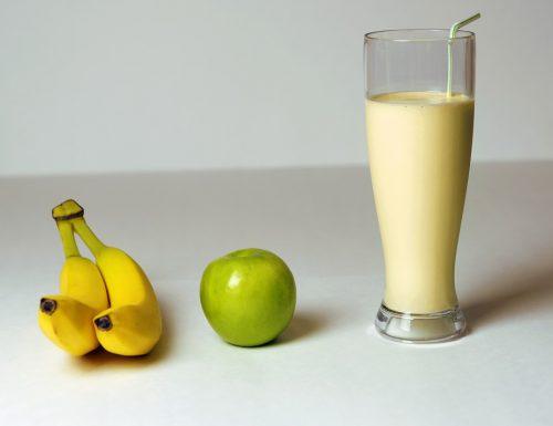 Smoothie banana e mela verde