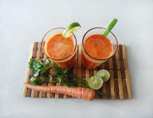 Frullato con carota kiwi e spinaci