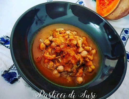Zuppa di ceci verza e zucca aromatizzata al rosmarino