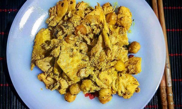 Bocconcini di pollo alle nocciole