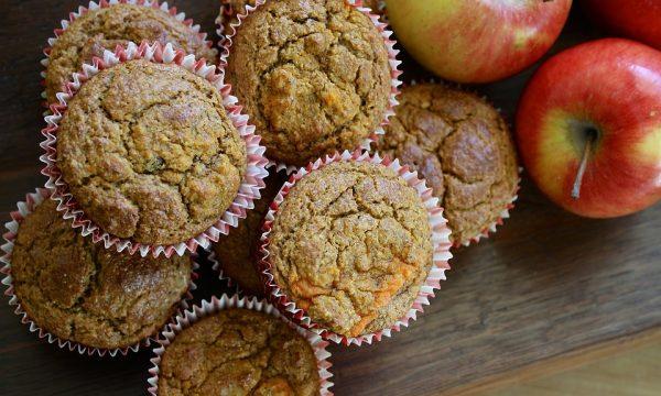 Muffin alle mele e pinoli