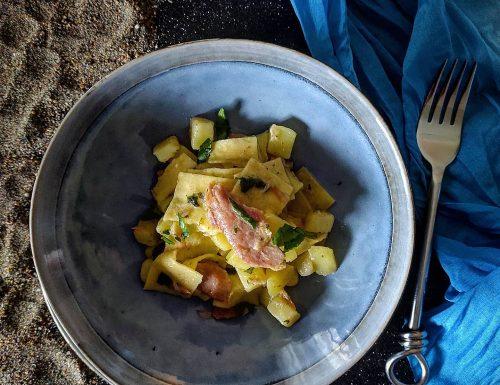 Pasta patate e ventresca di tonno