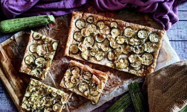 Schiacciata con zucchine erbette e parmigiano reggiano