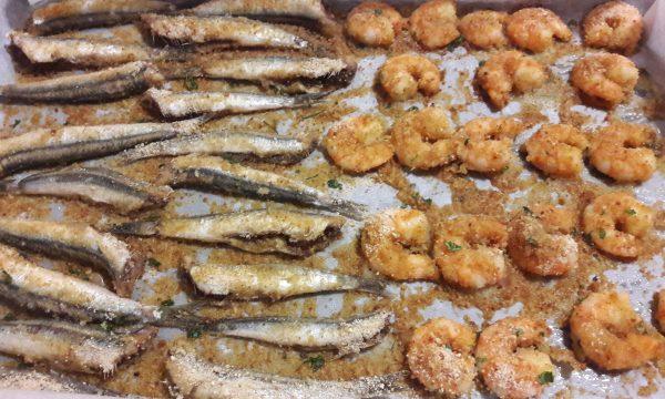 Sardine e gamberetti al forno