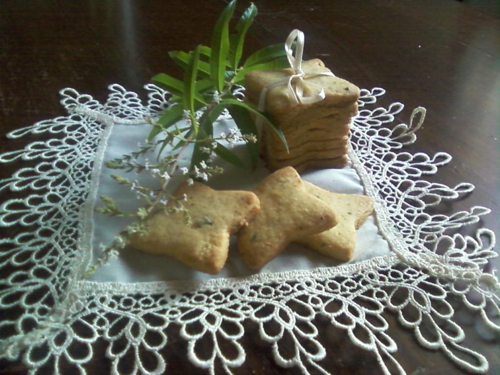 Biscotti all'erba luigia