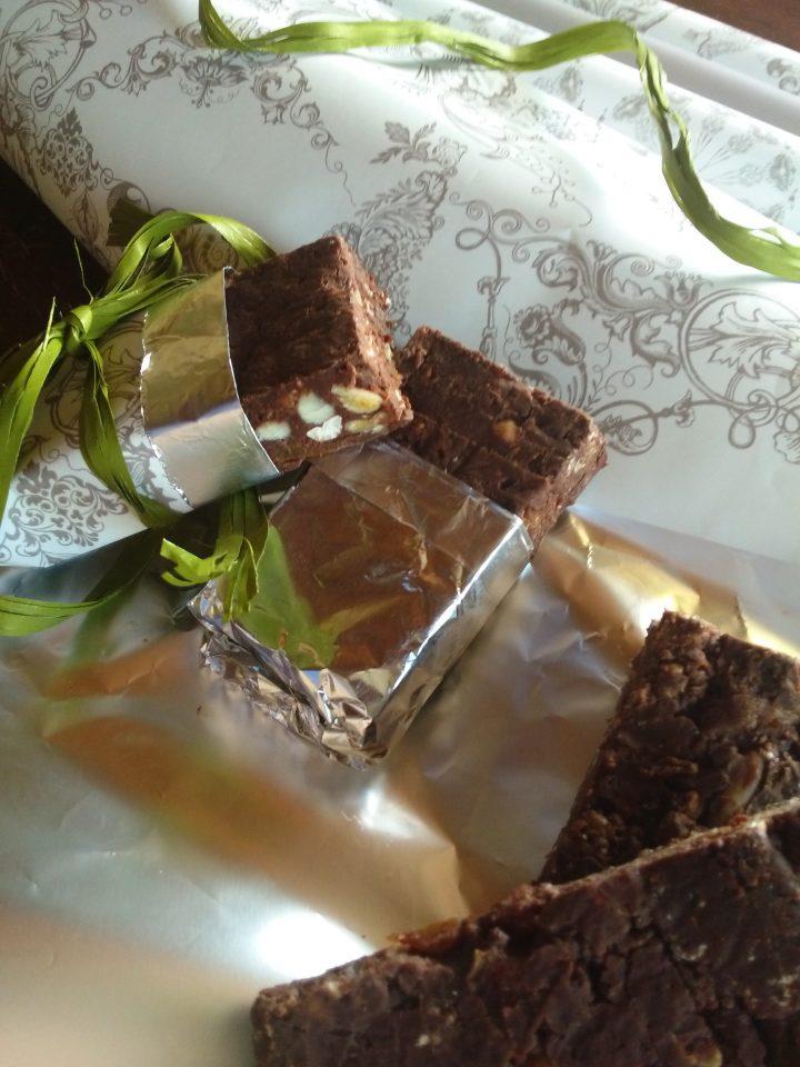 Barrette cioccolato fondente e frutta secca