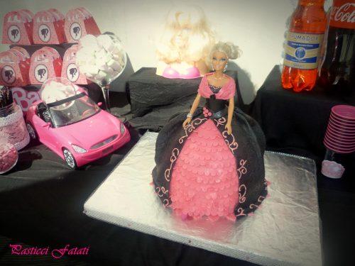 Barbie doll cake con pan di Spagna alla crema di mascarpone
