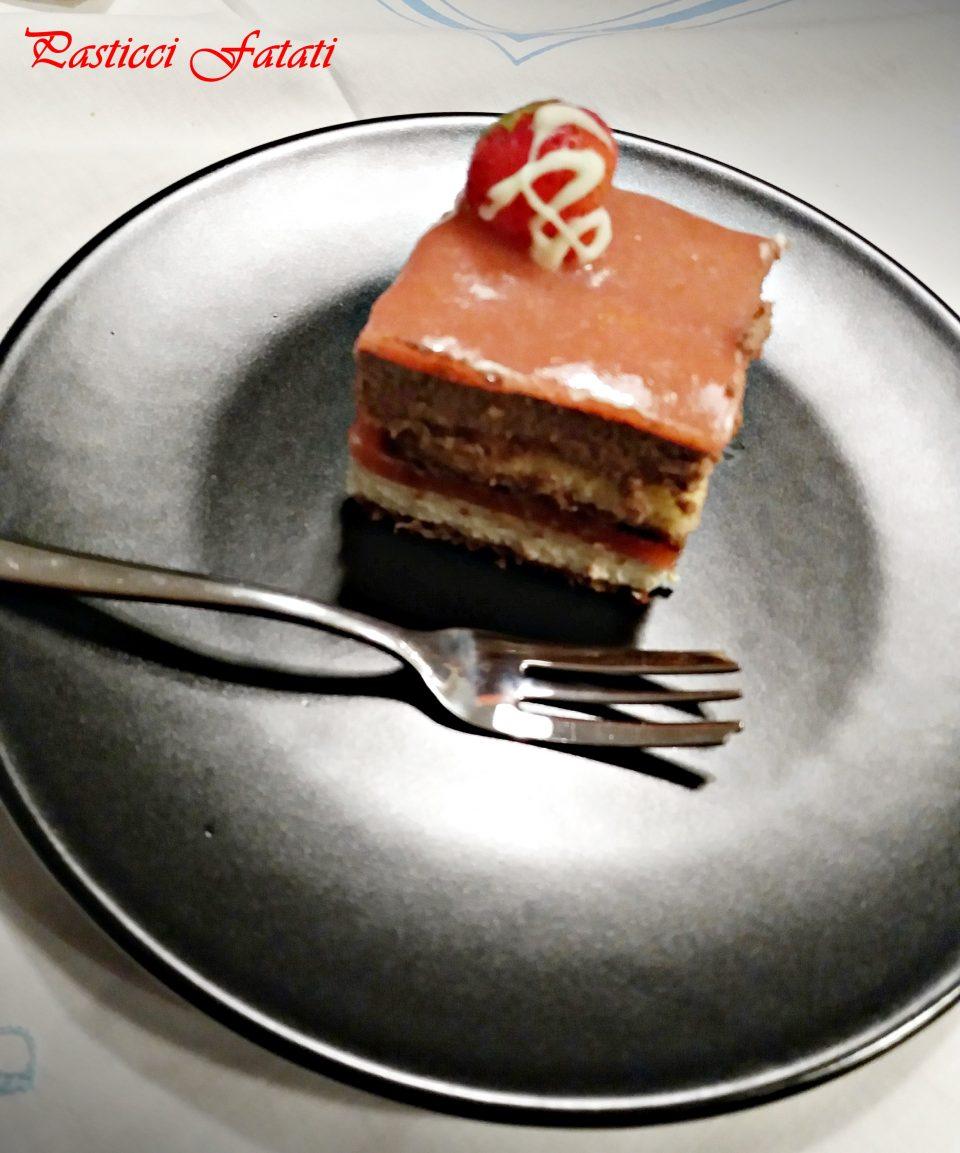 Paolo-e-Francesca-fetta-960x1153 Paolo e Francesca... drip cake alla fragola