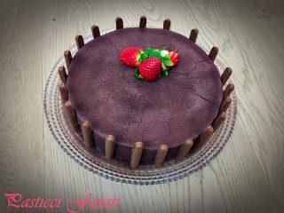torta-moderna-al-cioccolato-bianco-e-fragole-pf-320x240 Torta moderna al cioccolato bianco e fragole