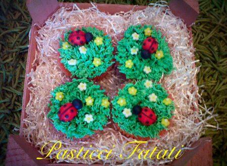 Cupcakes della fortuna alla vaniglia e crema di burro
