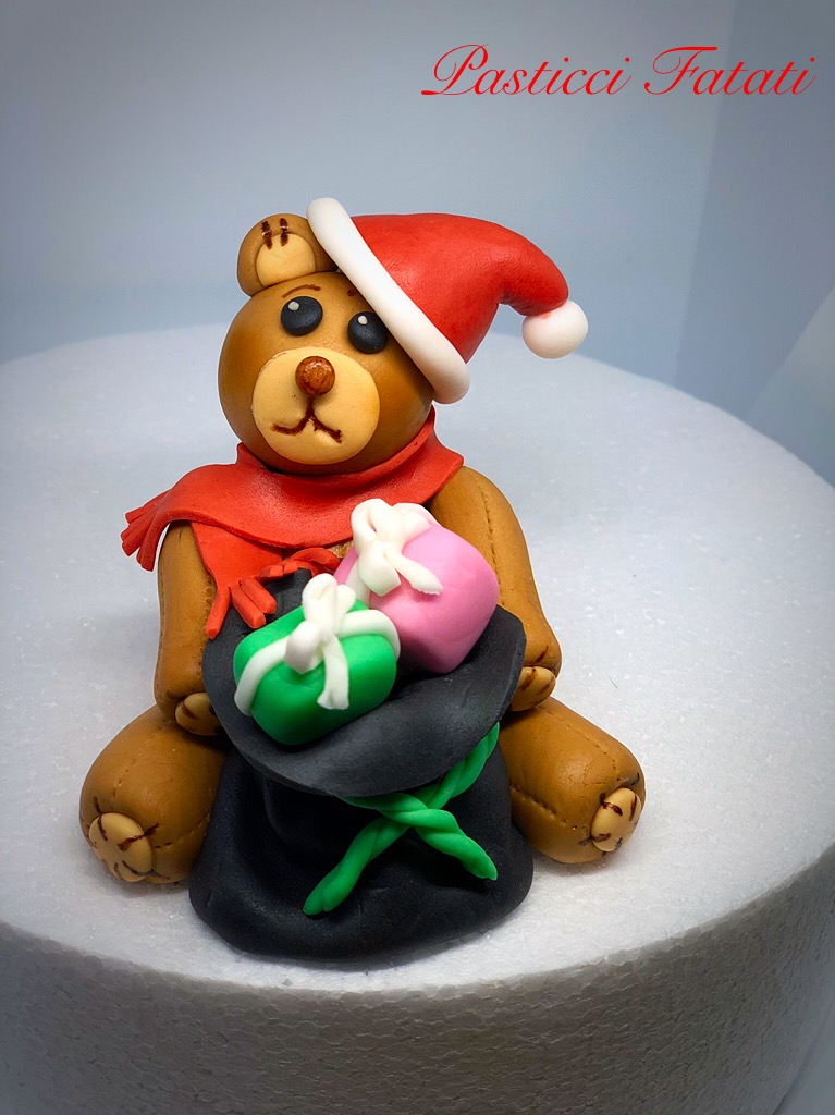 tutorial-orsetto-di-natale-5 Tutorial orsetto di Natale in pasta di zucchero