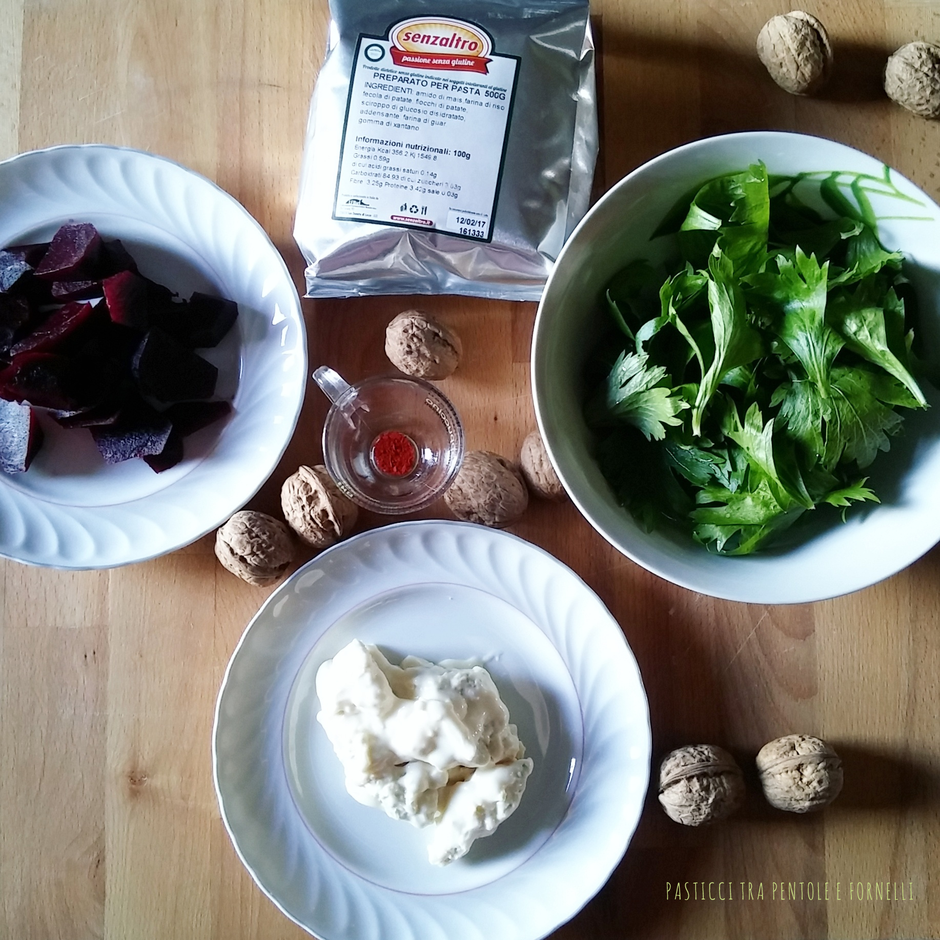 Trofie colorate al pesto di sedano e crema di gorgonzola senza glutine_1