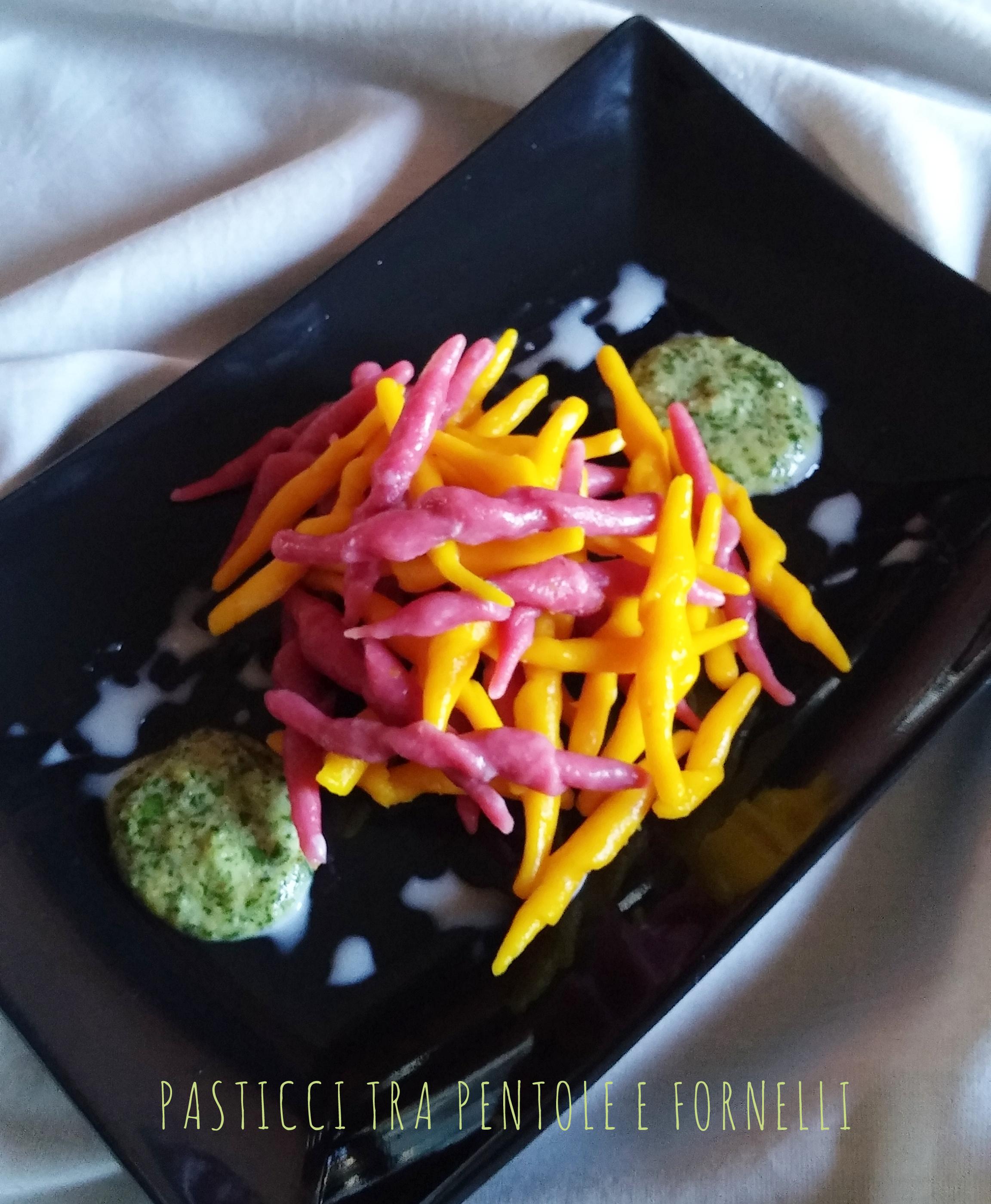 Trofie colorate al pesto di sedano e crema di gorgonzola senza glutine_4