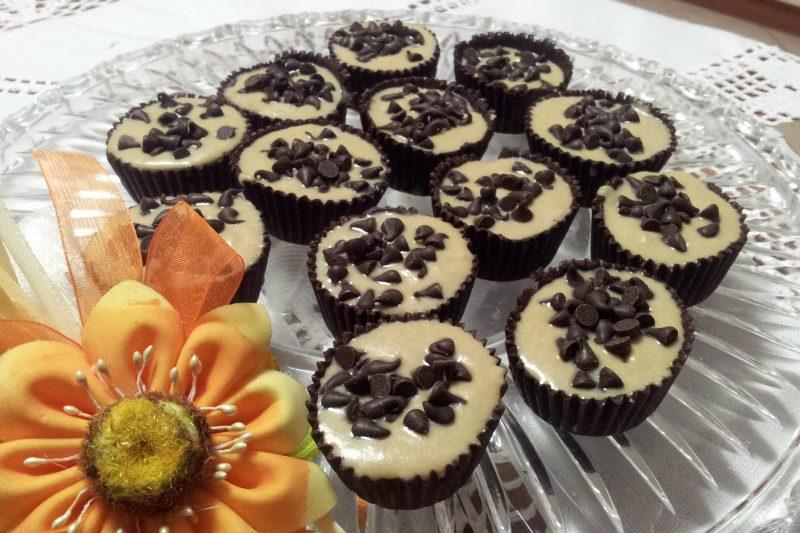 Pirottini di cioccolato ripieni di crema al caffe