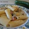 Pasta con zucchine e speck.