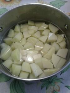 patate tagliate da bollire