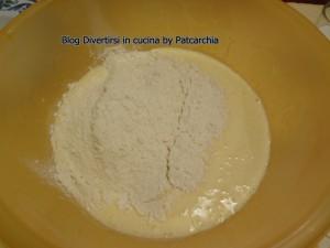 impasto uova zucchero e farina ciambellone gusto ciobar