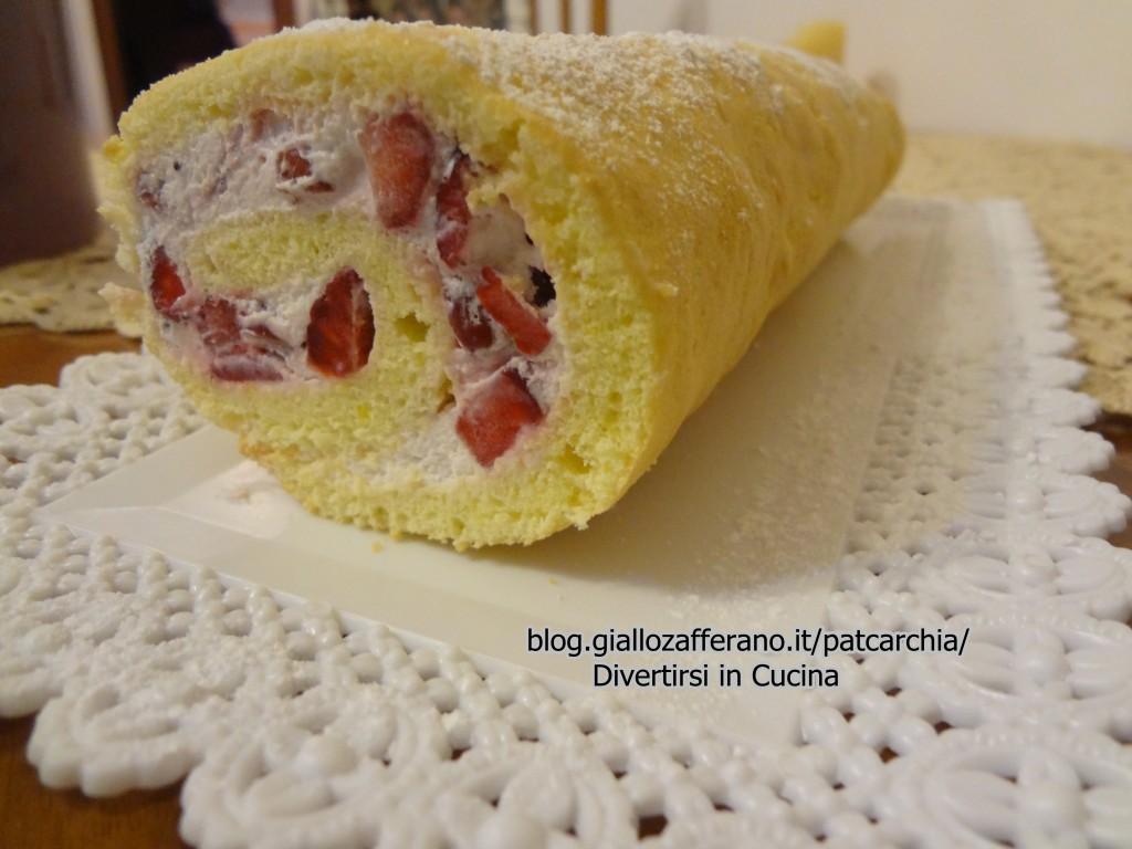 Rotolo alle fragole ricetta blog divertirsi in cucina patcarchia