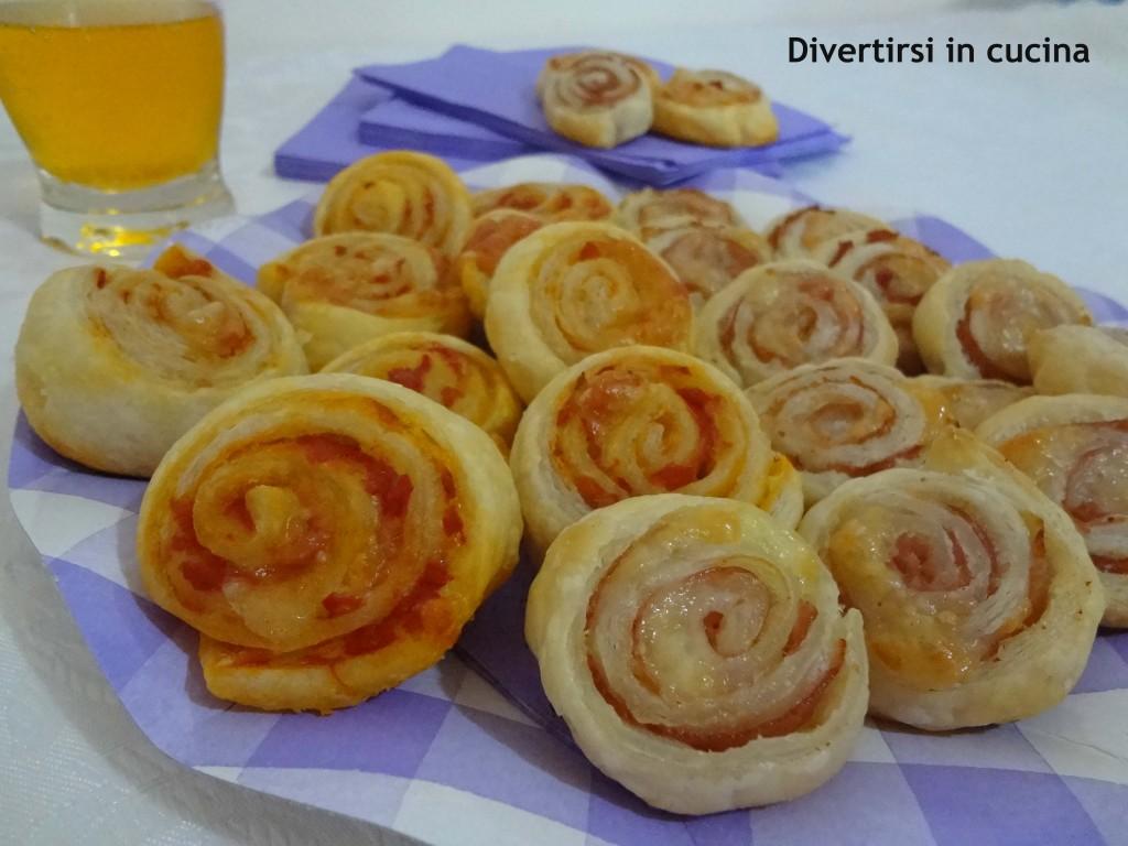 girelle di pasta sfoglia finger food ricetta blog divertirsi in cucina patcarchia