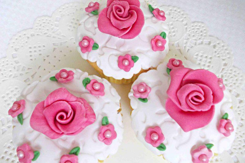 Cupcake ricoperti con pasta di zucchero
