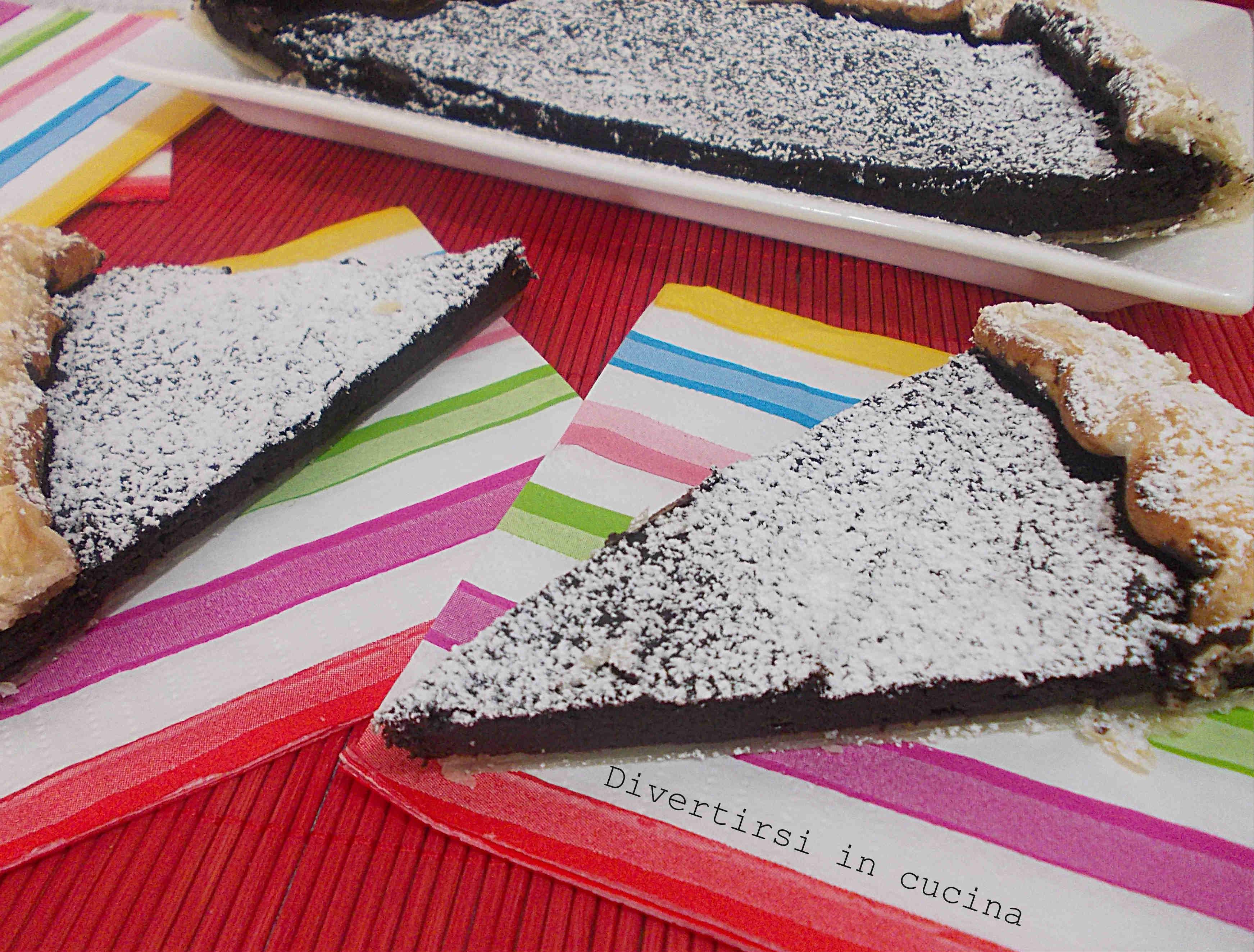 Torta con pasta sfoglia ricotta e cioccolato
