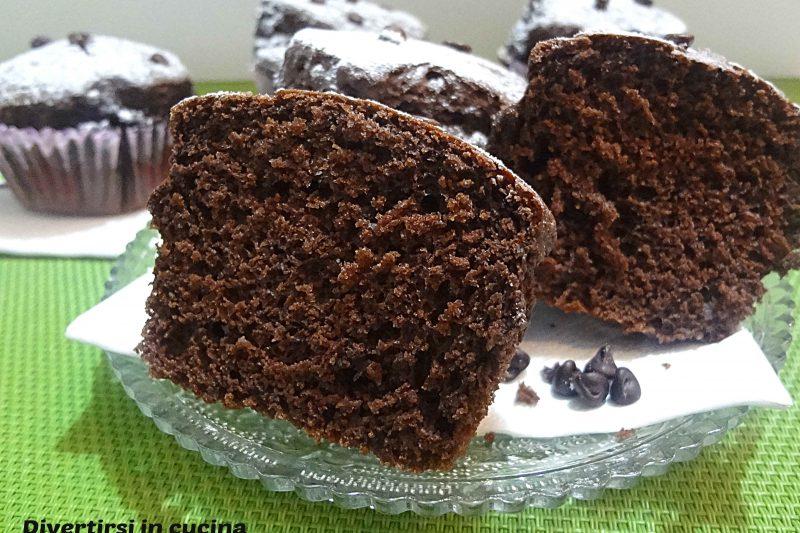 Muffin al cioccolato soffici e golosi