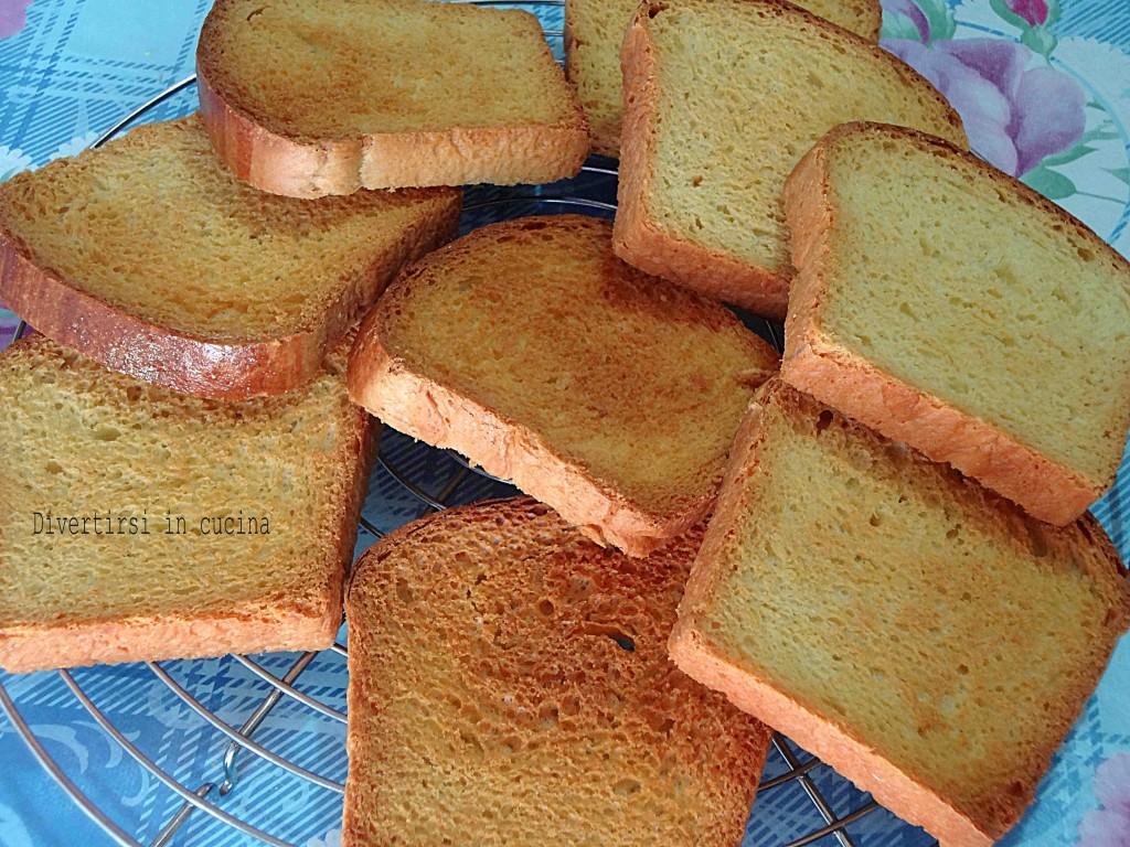 Ricetta fette biscottate fatte in casa Divertirsi in cucina