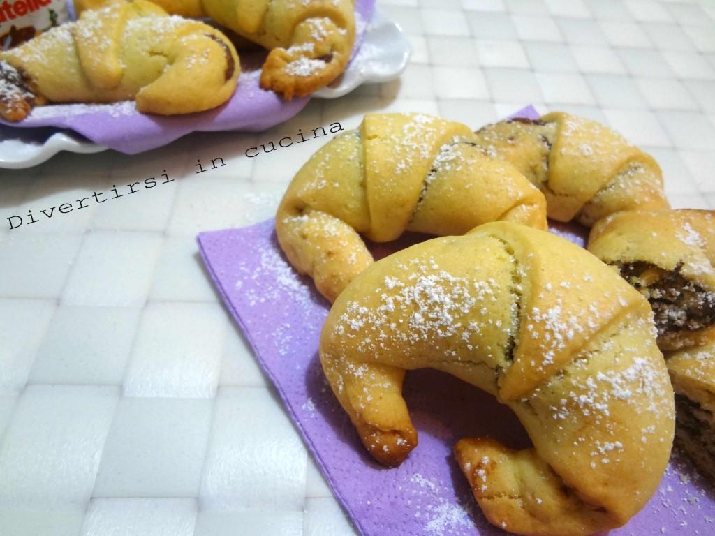 Ricetta cornetti di pasta frolla Divertirsi in cucina