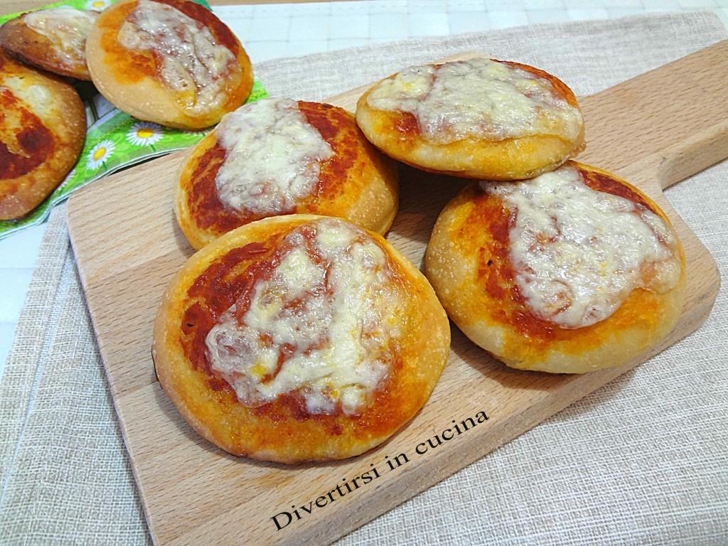 Ricetta pizzette da buffet Divertirsi in cucina