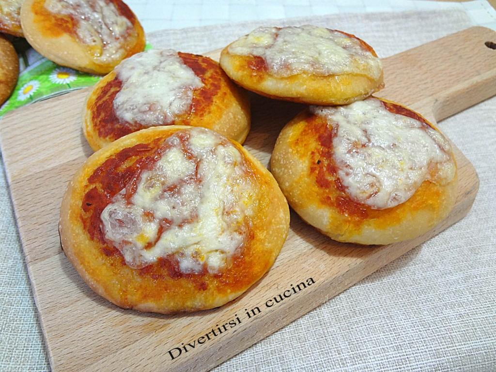 Ricetta pizzette buffet Divertirsi in cucina