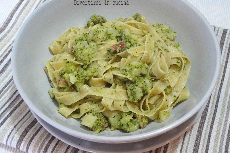 Tagliatelle broccoli e pancetta