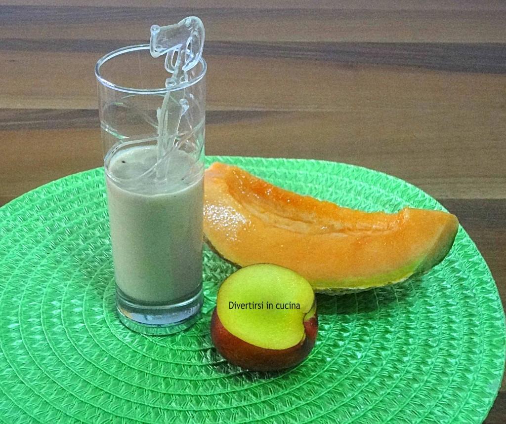 Frullato di frutta con  yogurt greco Ricetta Divertirsi in cucina