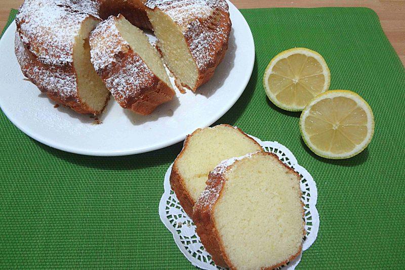 Ciambella al limone con e senza Bimby
