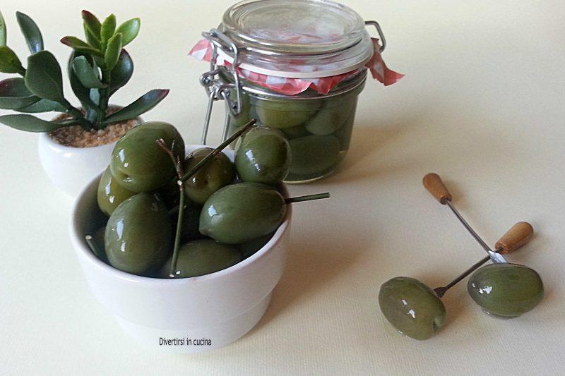 Olive in salamoia con soda