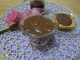 Crema di nocciole fatta in casa ricetta Divertirsi in cucina