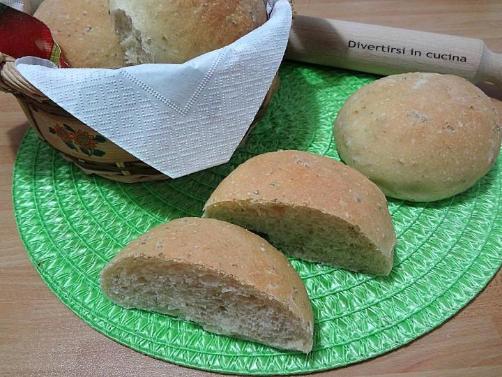 Panini morbidi alle olive ricetta Bimby Divertirsi in cucina