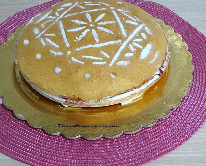 Torta farcita marmellata e panna