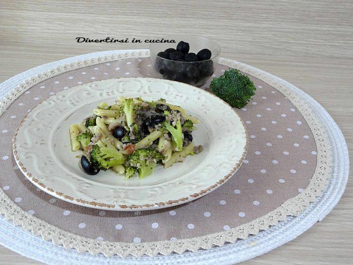 Pasta broccoli salsiccia e olive Bimby