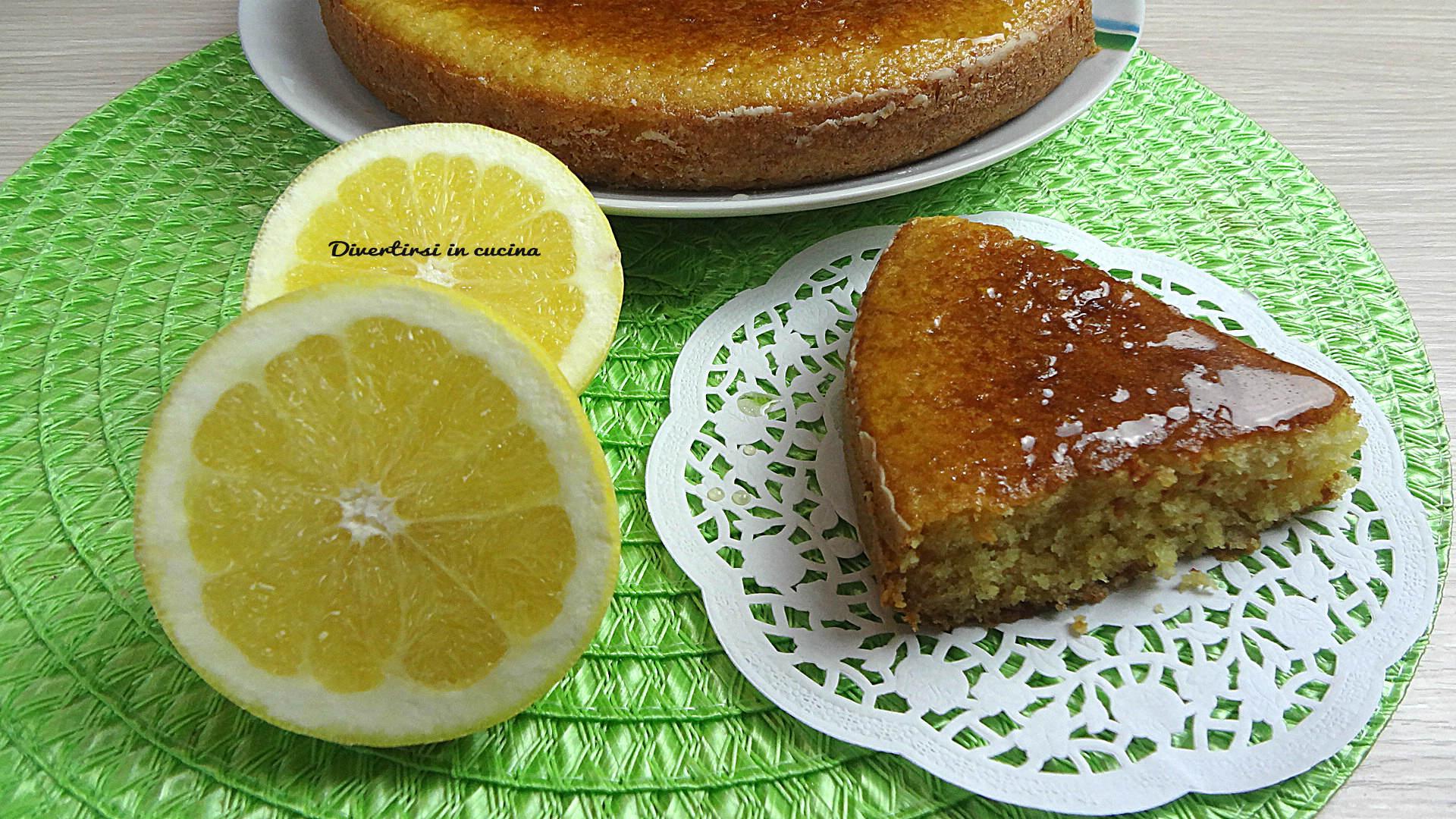 Torta all'arancia soffice e umida