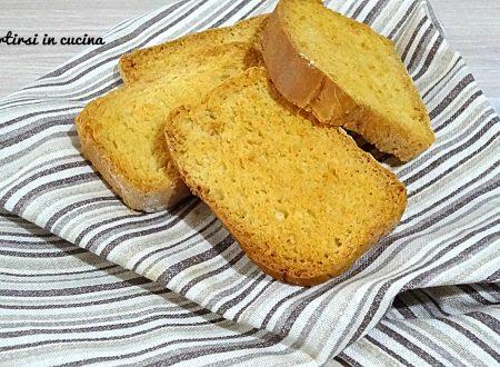 Fette biscottate al miele