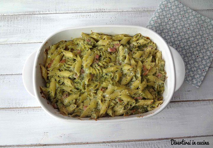 Pasta al forno con broccoli e besciamella